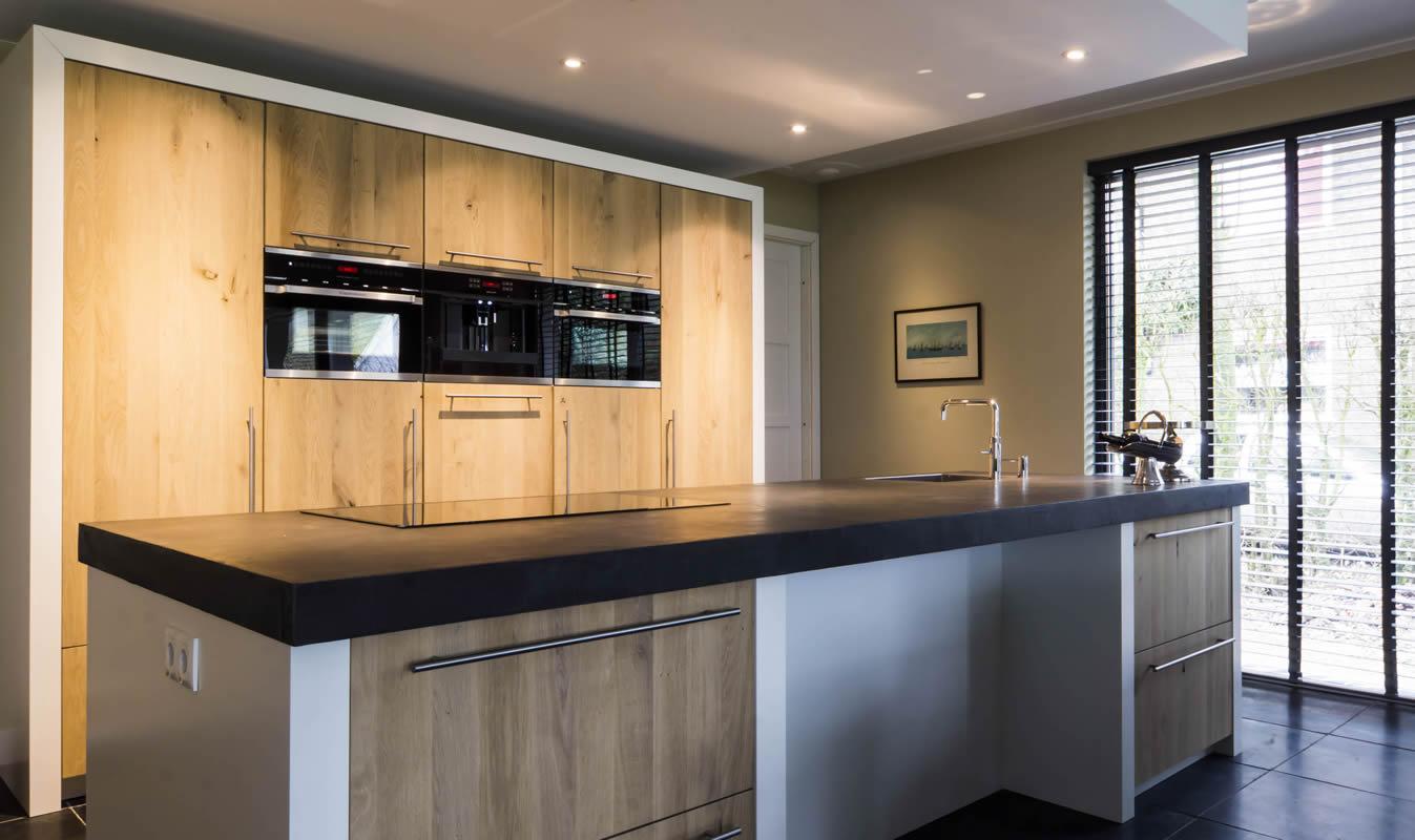 Keuken badkamer verf keuken woonkamer badkamer rinusstucadoor waterafstotende verf badkamer - Verf keuken lichtgrijs ...